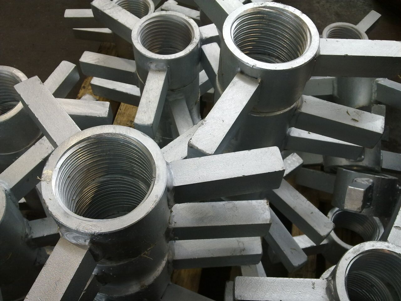 Particolari-zincati-a-caldo-Zardini-Srl-150x150.jpg